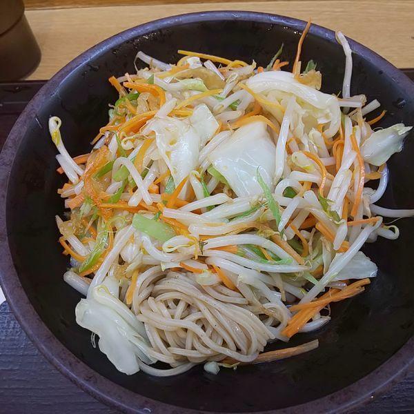 「野菜たっぷりそば」@いわもとQ 歌舞伎町店の写真