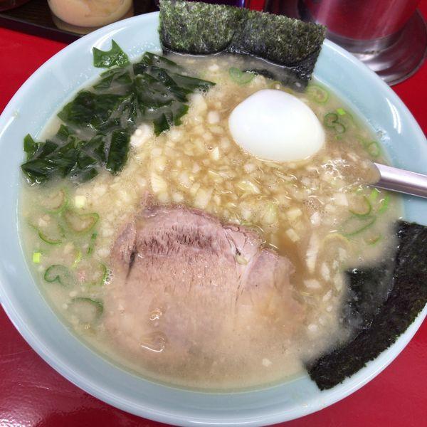「玉ネギラーメン500円+ゆで卵(無料)」@ラーメンショップ YAMANAKAの写真