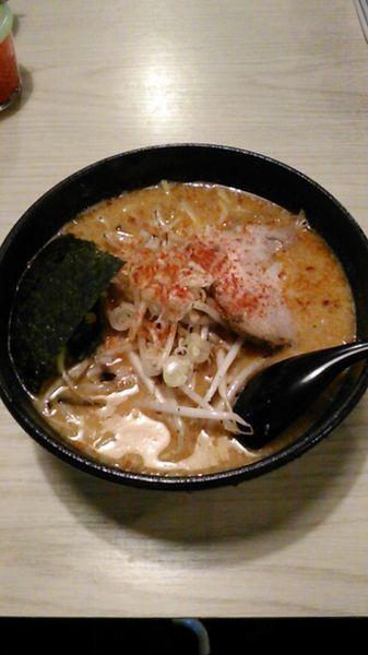 「辛味噌らーめん 860円 ラーパス特典 ウーロン茶」@麺屋 はちまるの写真