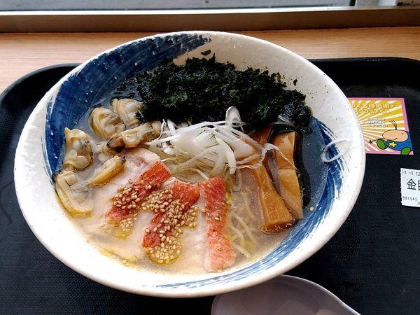 「炙り金目鯛の塩ラーメン(並盛)1,080円」@らーめん 波市の写真