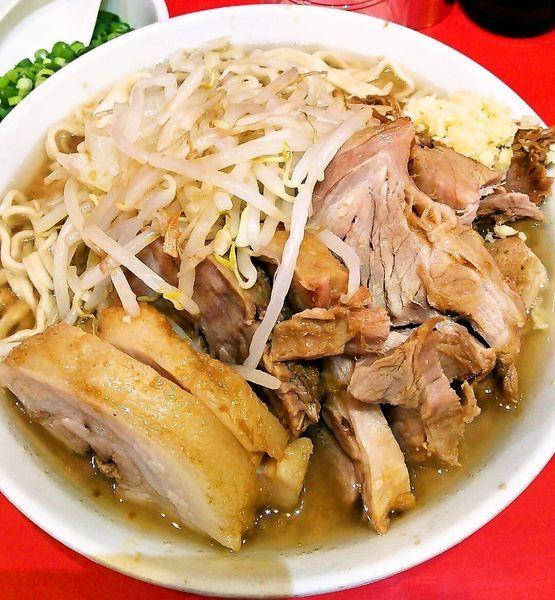 「ラーメン小(少なめ)+豚増し+青ネギ」@ラーメン二郎 西台駅前店の写真