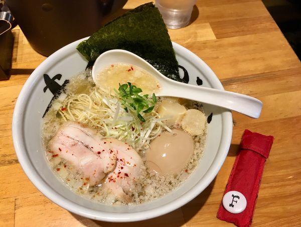 「淡麗豚そば+半熟煮玉子」@まんかい 天満橋店の写真