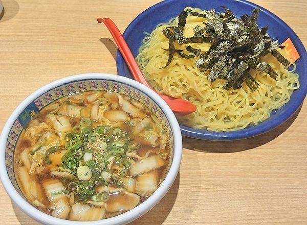「つけ麺(温麺) 2.5玉」@どうとんぼり神座 新宿店の写真