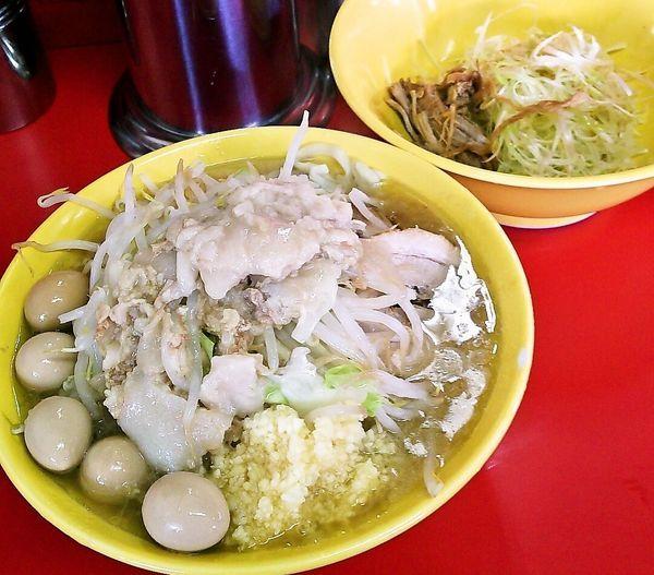 「小ラーメン(麺少なめ)+味ネギ+うずらの卵」@ラーメン二郎 茨城守谷店の写真