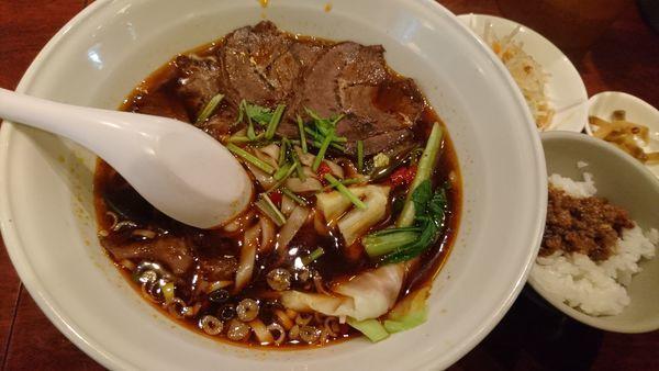 「牛肉麺セット 大盛」@台南担仔麺 水道橋本店の写真