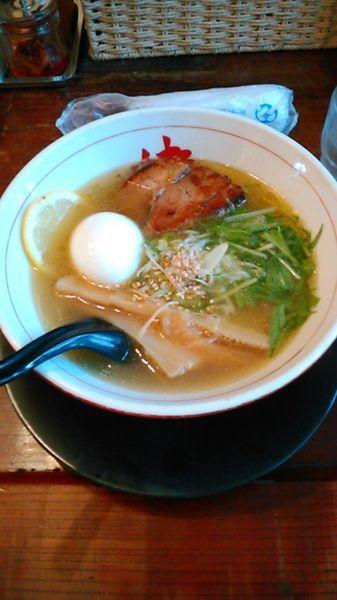 「黄金の塩らーめん 820円 ラーパス特典 味玉」@麺や 蔵人の写真