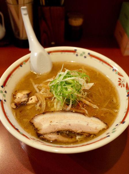 「味噌らーめん…800円」@味噌らーめん専門店 狼スープの写真