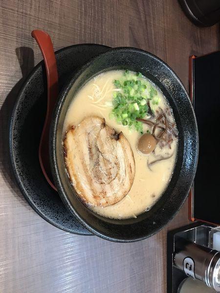 「鬼炊き豚骨らーめん + チャーシュー丼」@鬼炊き豚骨ラーメン まくり屋の写真