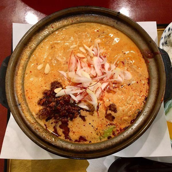 「土鍋煮込み担担麺 1350円」@麻布茶房 小田急町田店の写真
