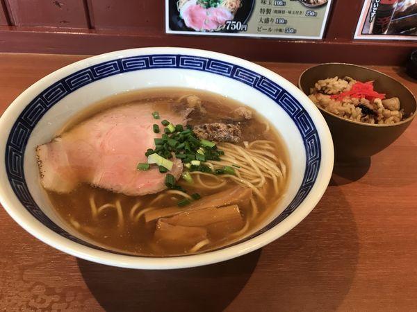 「らぁ麺 700円 鶏ごぼう飯 100円」@らぁ麺 たか樹の写真