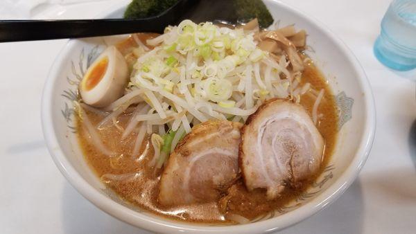 「濃厚極太麺味噌」@こだわり麺工房 かぐらの写真