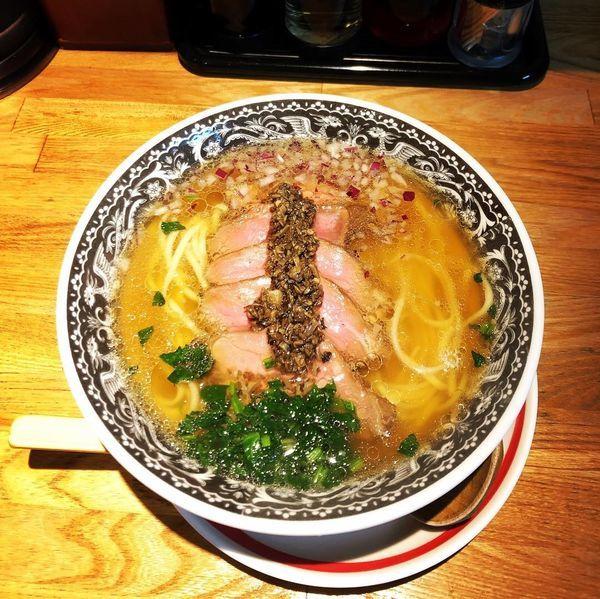 「五種煮干しの牛そば〜茸オイル仕立て〜」@麺肴 ひづきの写真
