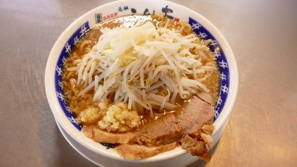 「らーめん並 生麺200g¥680/野菜普通・にんにく¥0」@ラーメン大 堀切店の写真