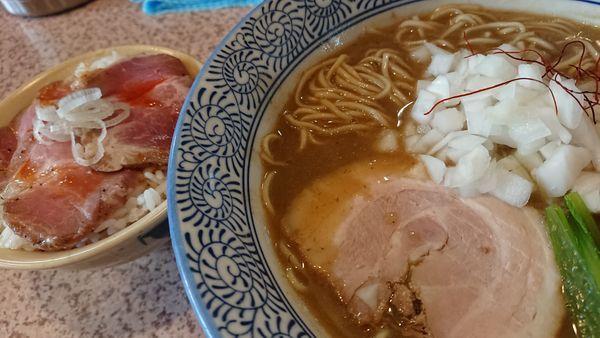 「煮干し白湯ラーメン」@麺処 かつ善の写真