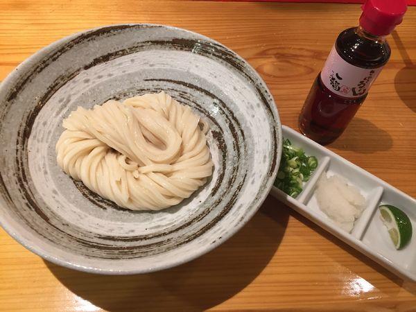 「(冷)生醤油うどん¥450」@一福 大阪支店の写真