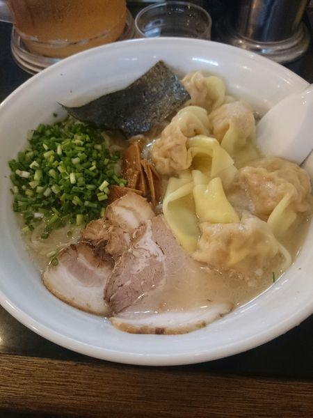 「雲吞麺900円」@らーめん 茂木の写真