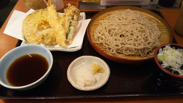 「新オールスター天ぷらそば(冷)」@天丼 てんや 八重洲店の写真