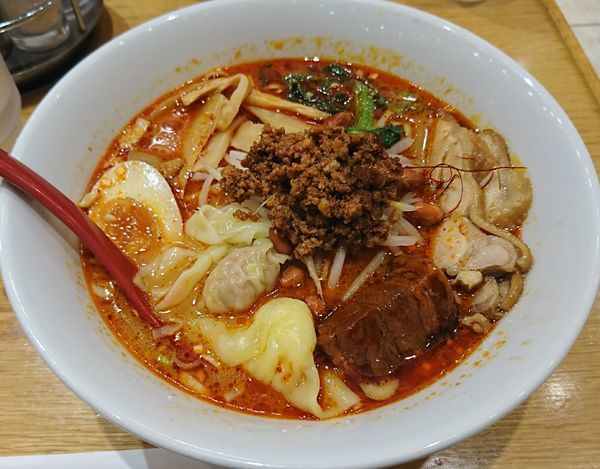 「全部のせわんたん麺(四川坦々味)1100円」@雲呑好 ecute立川店の写真