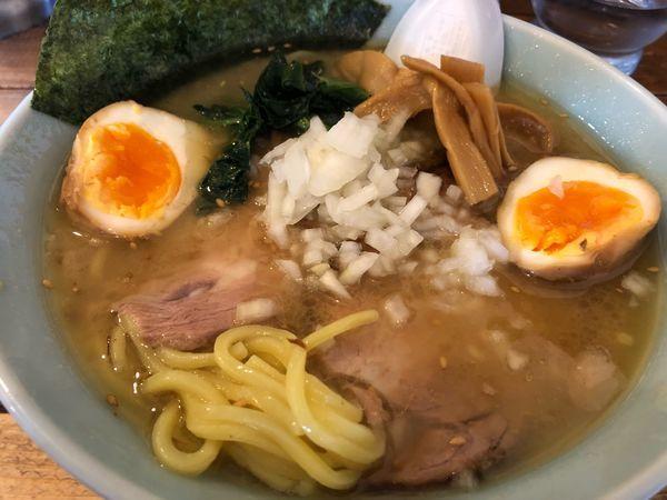 「地鶏ラーメン 塩 味玉トッピング 780円」@地どりラーメンの写真