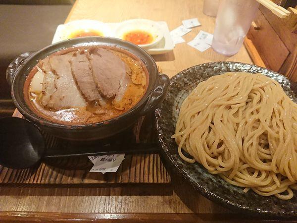 「土鍋みそつけ麺ごちそう盛り+おじやセット」@味噌が一番 中野サンモール店の写真
