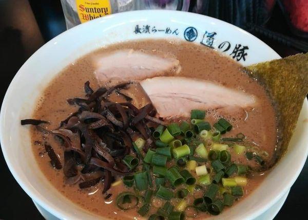 「豚骨煮干しラーメン」@長濱らーめん 道の豚の写真