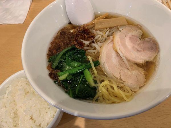 「醤油らーめん あっさり+サービス小ライス」@麺屋 JUNKIEの写真