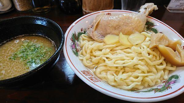 「限定  鶏白湯 釜揚げつけ麺 骨付き鶏もも乗っけ」@五ノ神精肉店の写真