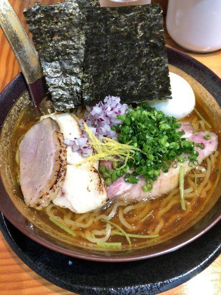 「淡麗煮干しそば ¥1000+味玉 ¥100」@麺LABOひろの写真