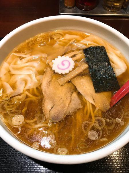 「ワンタンメン    ¥850」@中華蕎麦 金魚の写真