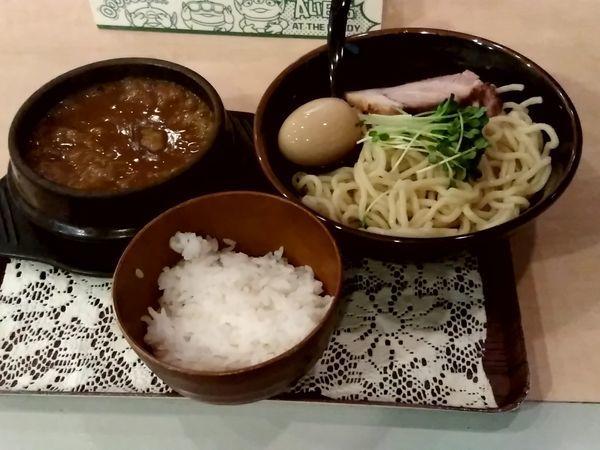 「濃厚カレーつけ麺(並盛・200g)972円+味玉+替玉」@Red Heart kitchenの写真