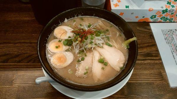 「【限定】秋刀魚そば¥890-+煮玉子¥100-」@あら焼鶏白湯 カシムラの写真