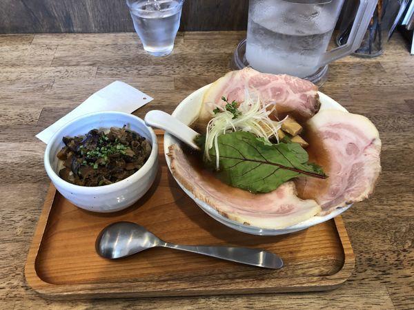 「特製チャーシュー麺」@らーめんshigetomiの写真