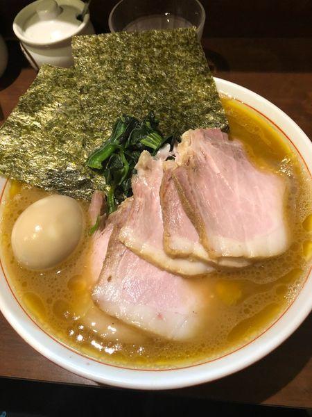 「チャーシュー麺中盛、硬め濃いめ」@らーめん飛粋の写真