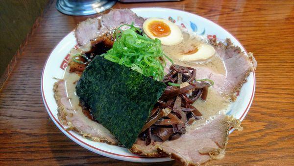 「特製濃厚ラーメン黒(細麺)」@ラーメンかなやの写真