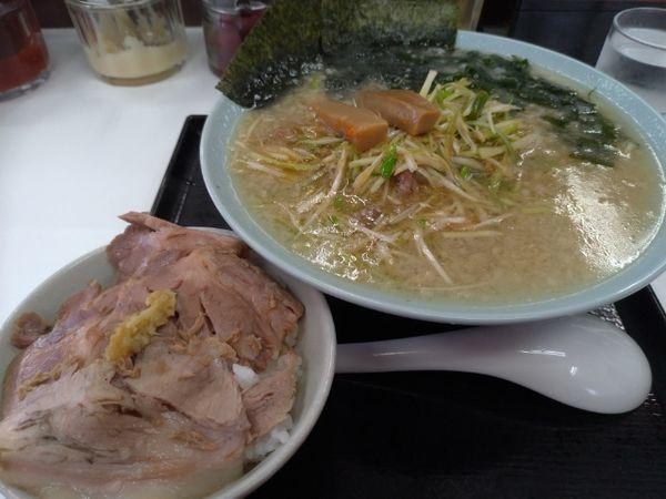 「ネギラーメン+チャーシュー丼を」@ラーメンショップ 北川辺店の写真