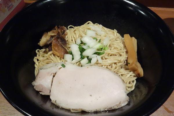 「森林鶏まぜそば」@らぁ麺 たか樹の写真