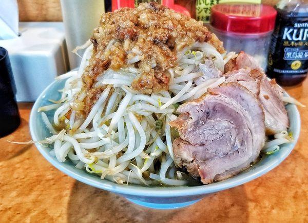 「中らーめん極太麺へ変更」@立川マシマシ ロイヤルスープの写真