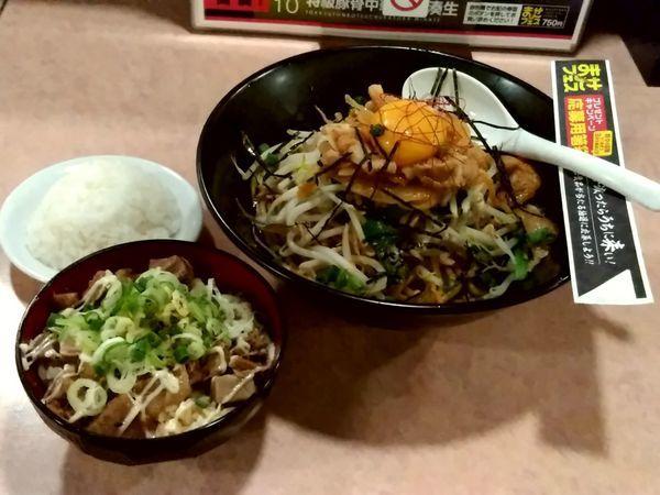 「豚キムチまぜそば(中盛250g)750円+まかない丼250円」@特級豚骨 中華そば湊生の写真