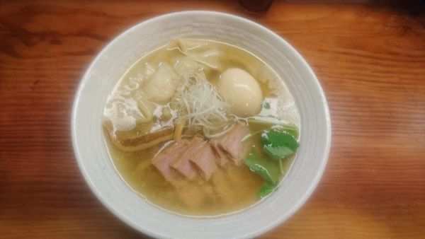 「特製塩らーめん(大盛)」@純手打ち 麺と未来の写真