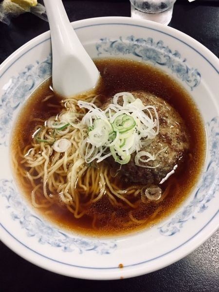「バーグメン 700円」@中華料理 嵐山の写真
