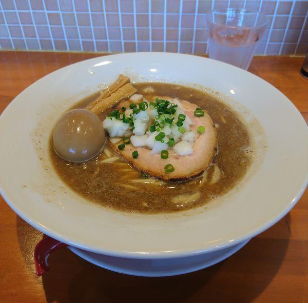 「濃厚煮干そば 大盛 味玉」@らーめんキッチン いいづかの写真