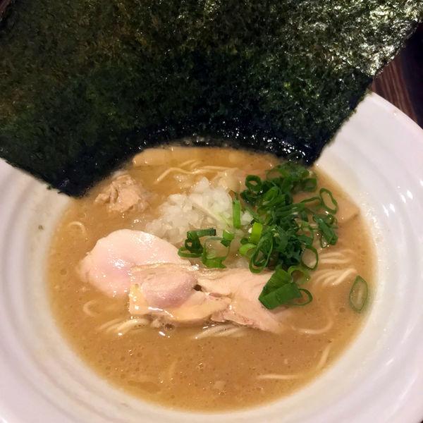 「黒(濃厚鶏白湯そば 醤油)780円」@濃厚鶏麺 ゆきかげ 浅草本店の写真