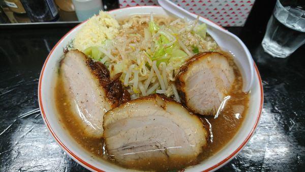 「味変ラーメン(大)+豚2枚 ¥990」@肉だしラーメン 濃い豚の写真