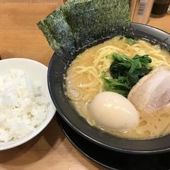 横浜家系ラーメン 浅草家の写真