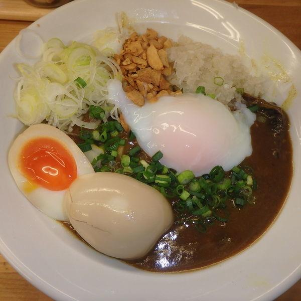 「カレーまぜそば (800円)(賄い飯付)、味玉(クーポン)」@拉麺 はち屋の写真