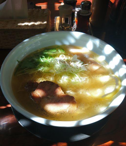 「黄金の塩らーめん 大盛」@麺や 蔵人の写真