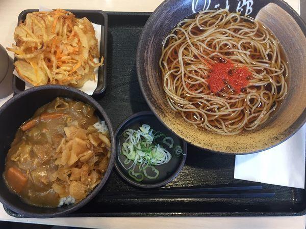 「朝定食カレー丼+温そば+かき揚げチケット 360円」@ゆで太郎 入間宮寺店の写真
