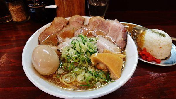 「肉の日限定/らーめん煙豚+味玉+替玉 +限定/猪カレーライス」@五ノ神精肉店の写真