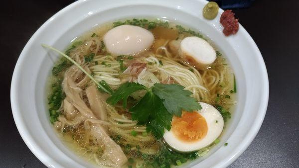 「マグロ出汁の中華そば 白醤油仕立」@麺や hideの写真