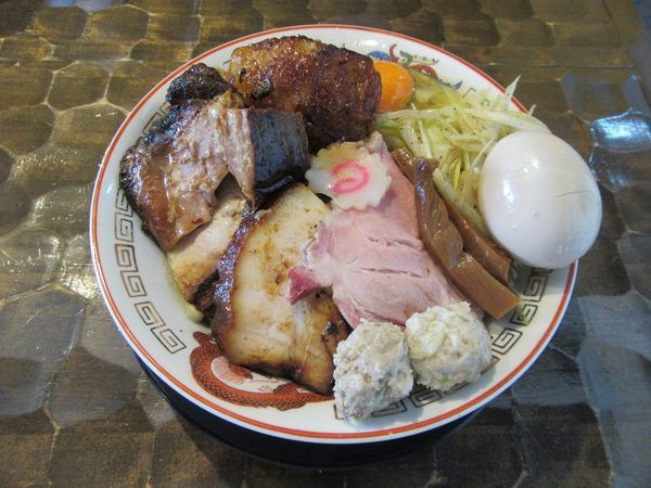 「限定 トロ豚油そば(900円)+特級トッピング」@特級鶏蕎麦 龍介の写真